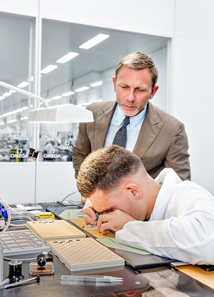 7. Daniel Craig is seen at the OMEGA Factory Visit in Switzerland_3