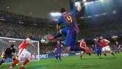 PES 2017 se lance avant FIFA