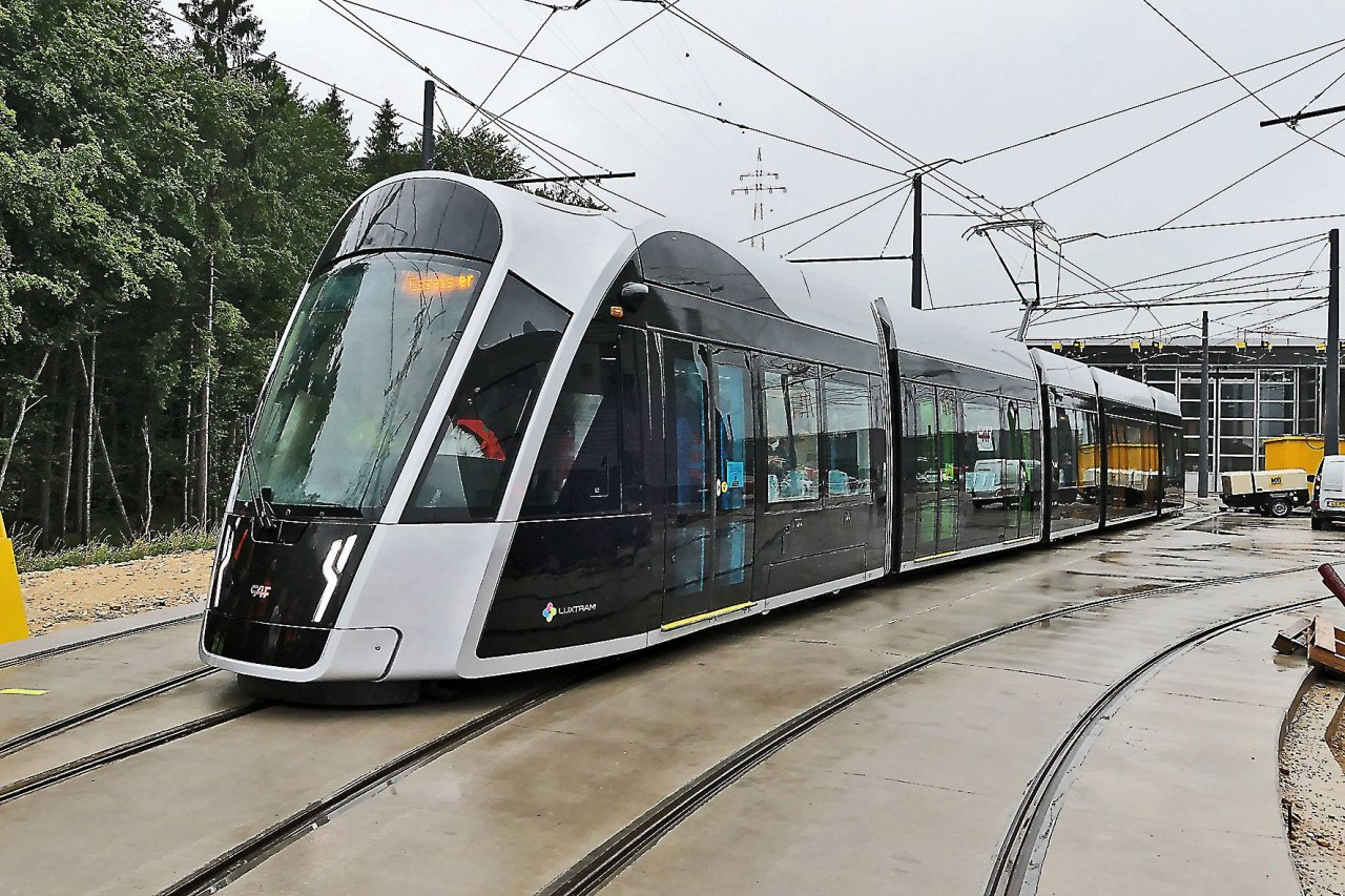 Une première sortie réussie pour le tram qui doit sillonner la capitale!