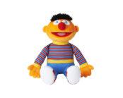 Kaws rend hommage aux personnages de «Sesame Street» pour Uniqlo
