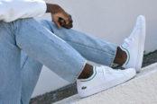 Lacoste signe une paire de sneakers inspirée de son polo iconique