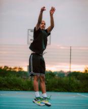 The Kooples signe une capsule d'inspiration streetwear avec la NBA