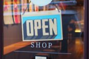Confinement : un site pour référencer tous les commerces ouverts