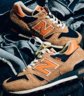 Une paire de sneakers signée Levi's et New Balance
